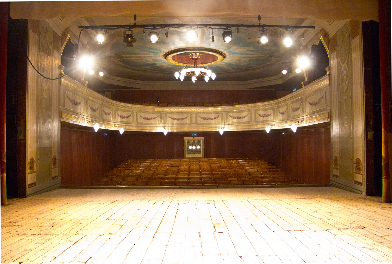 Ærverdige Fredrikshalds Teater