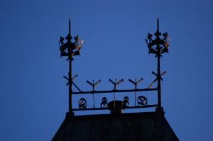 Detaljer fra tårnet Halden stasjonsbygning. Foto: Svein Norheim.