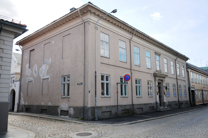 Brunius-gården i Borgergata som var byens rådhus fra 1855 til 1902. Foto: Svein Norheim/Halden historiske Samlinger
